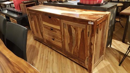 buffet en bois de rose meubles en bois bois d co montr al. Black Bedroom Furniture Sets. Home Design Ideas