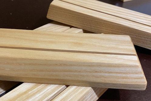 Holzständer für Fotos usw.