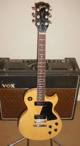 Nick Robinson Guitarist Gibson Les Paul TV Yellow Vox AC30.jpg