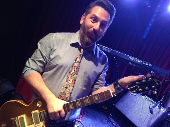 Nick Robinson Guitarsits Arts Club Mayfair Gold Top Borken Head Stock.jpg