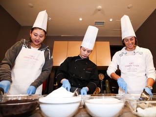 深圳公開賽資格賽即將開打 段瑩瑩和加西亞 在深圳龍崗珠江皇冠假日酒店 體驗烹飪煎堆