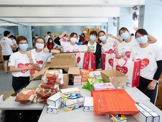 香港精英運動員與香港賽馬會攜手發動「愛心送暖行動」為2,500名獨居人士及低收入家庭送上關懷