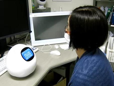 白内障手術説明ロボットを導入しました