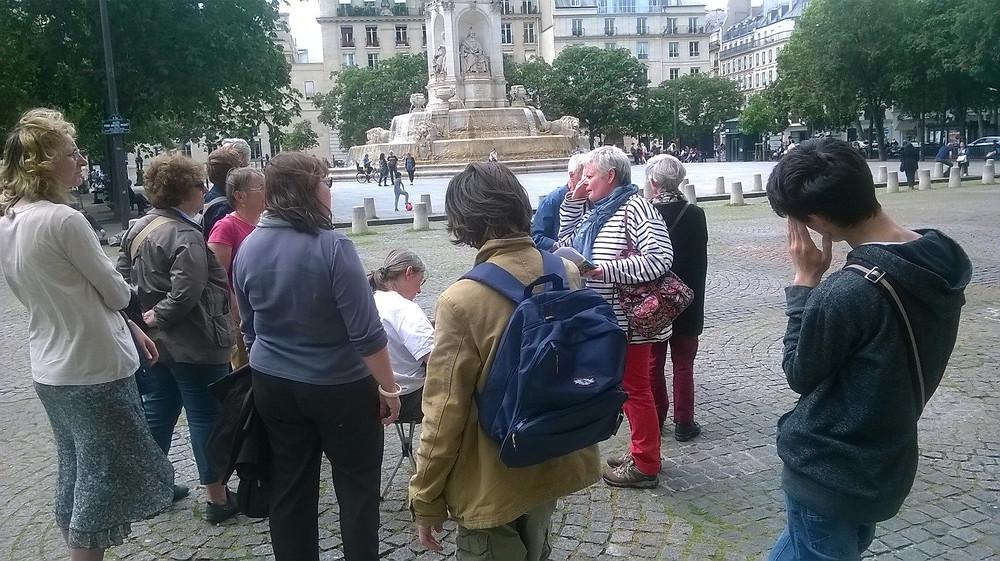 Notre groupe place Saint Sulpice / crédits photos Philippe Lebouleux