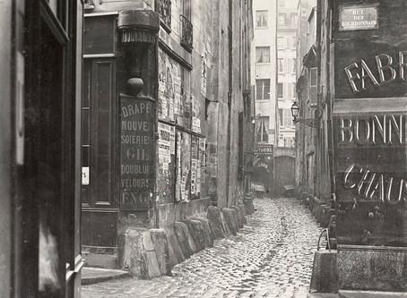 Balade parisienne : du carrefour de la croix du trahoir à la rue Beaubourg, une évocation du passé g