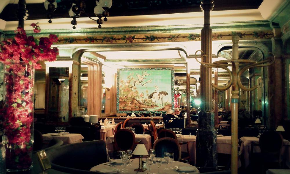 L'intérieur de la Brasserie Mollard