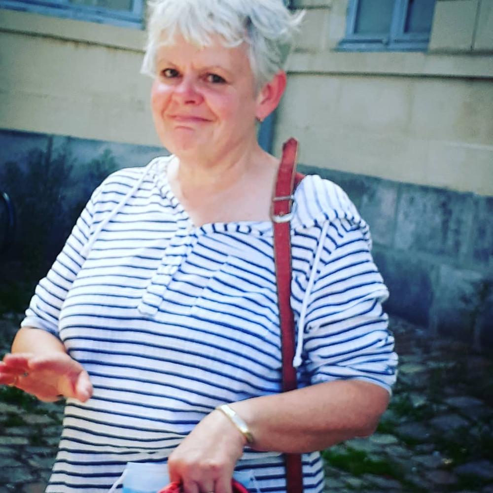 Catherine Renée à la sortie du journal à Rambouillet