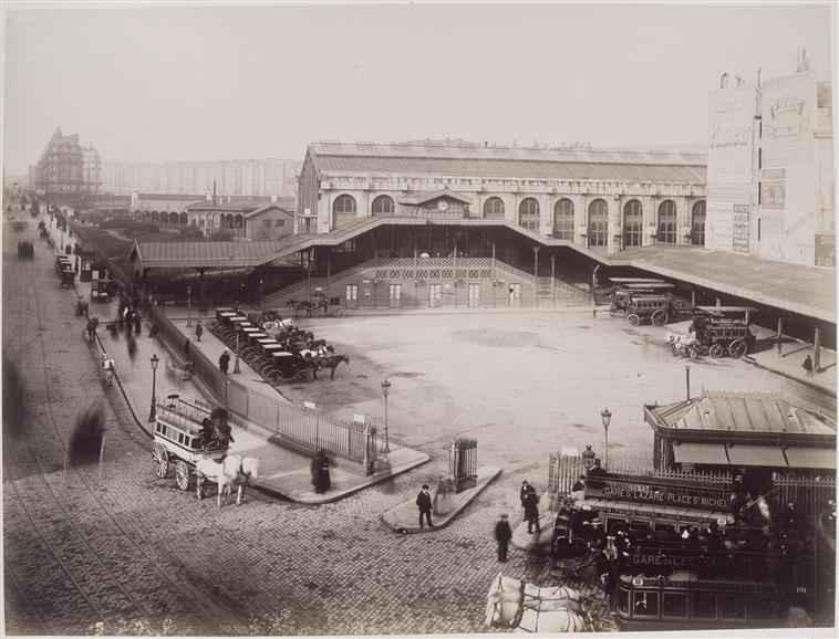 La cour de Rome avant la construction du bâtiment actuel / photo Louis Emile Durandelle