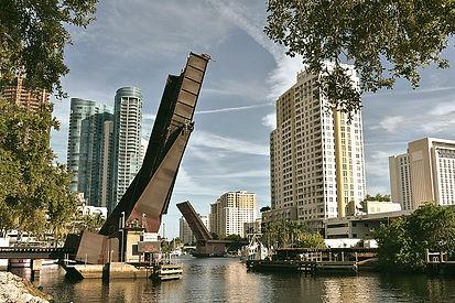 800px-New_River_(Fort_Lauderdale%2C_Flor