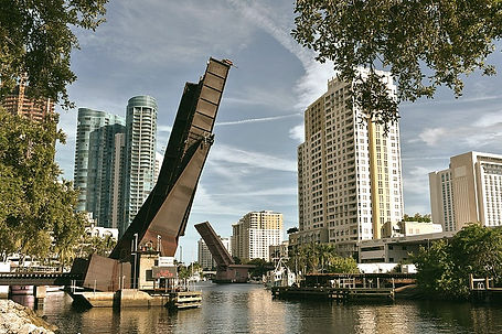 800px-New_River_(Fort_Lauderdale%2C_Flor