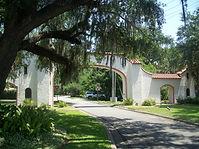Tallahassee_FL_Los_Robles_Gate02.jpg