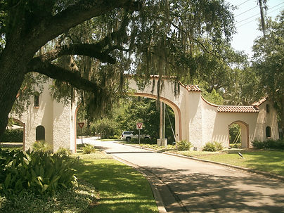 Tallahassee_FL_Los_Robles_Gate02_edited.