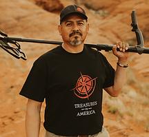 Treasure-Hunter-Heavy-Eqipmentment-operator-Interpreter