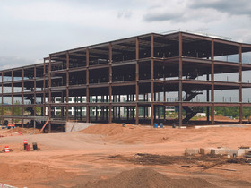 Steel topped off at MetLife Investments global headquarters in Hanover, NJ
