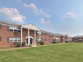 KRE Group, Oxford Realty acquire  550-unit rental property in Piscataway