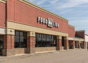 Eastern Union Funding arranges acquisition financing for a 354,804 s/f shopping center