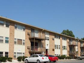 Warren County, NJ's Ravenscroft Apartments sells for $7.6M in trade arranged by Gebroe-Hammer