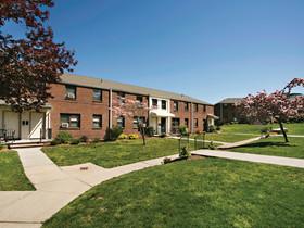 Meridian Capital Group's Hammer and Karpel arrange $19 million in financing for Summit Gardens