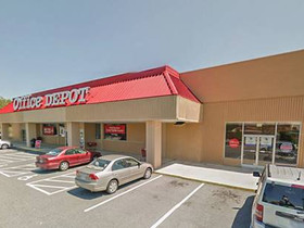 Neil and Teitsma of Divaris Real Estate's Charlotte office completes retail lease for 27,600 s/f