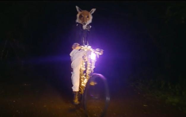 Fox mask by Gladys Paulus at Glastonbury Festival Live at Worthy Farm Livestream 2021.mp4