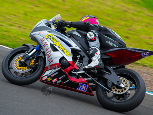 Oil spill delays superbike qualifying at Knockhill
