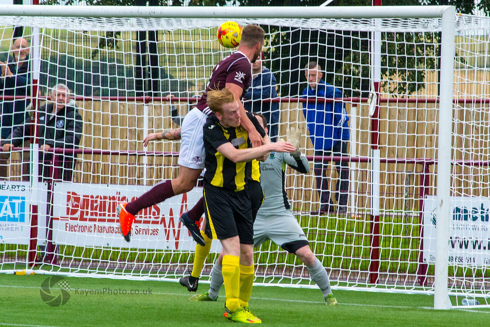 O'Neil goes close for Kelty