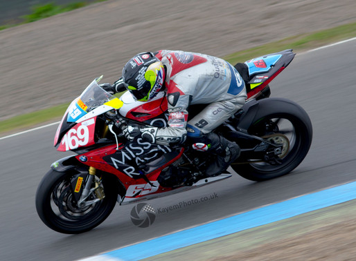 Bikes back into action At Knockhill