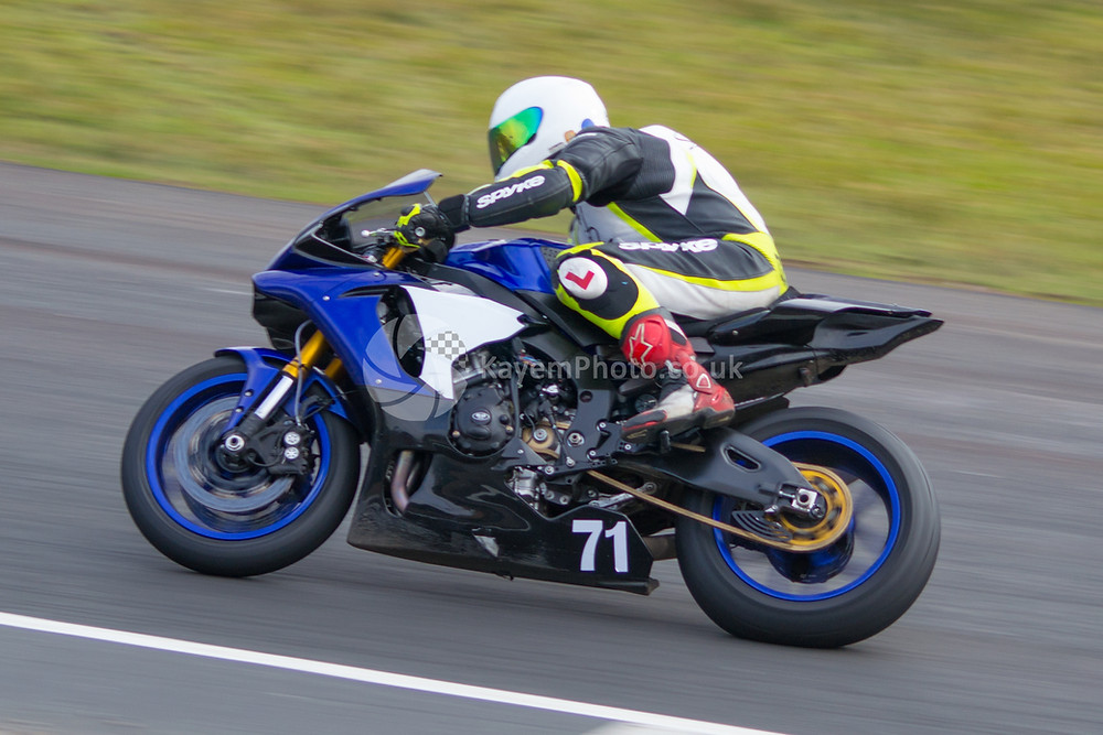Gavin Jones (Yamaha R1)