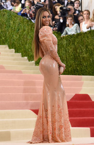 Beyonce, Givenchy