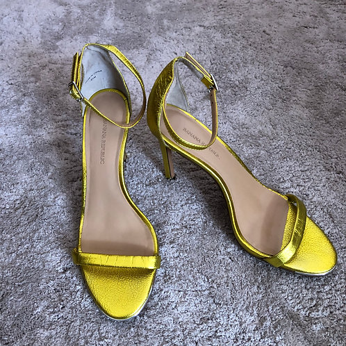 Yellow gold shoes