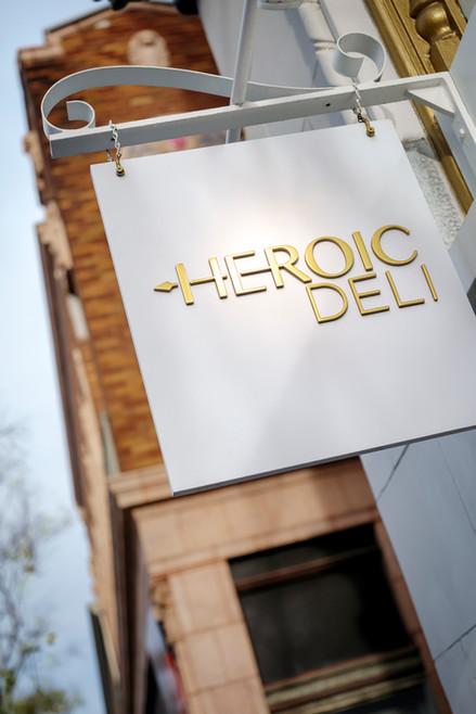 preeninc barre Heroic04 8x11 150.jpg