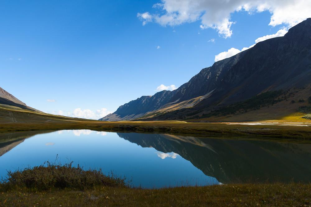 Одно из озер в долине Акколь