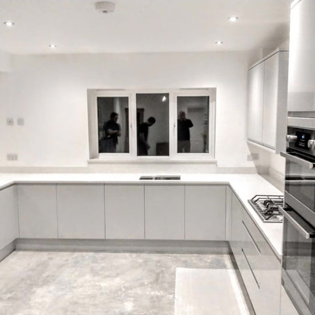 White mirror quartz worktop project