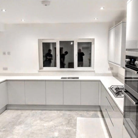 White mirror quartz worktop project