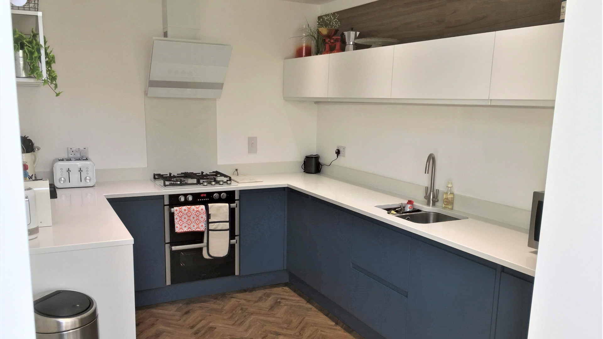 Handle-less Painted Kitchen