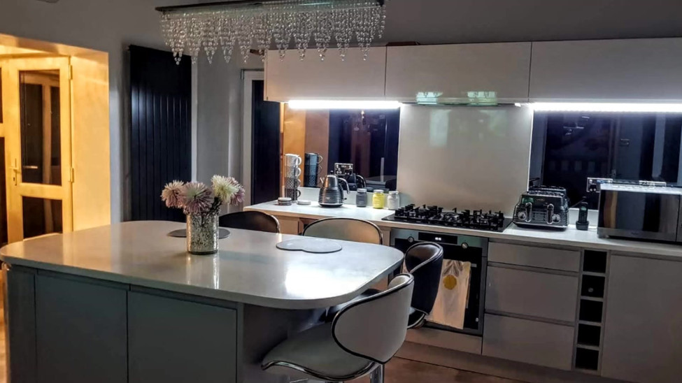 Opus Gloss Light Grey and White Kitchen