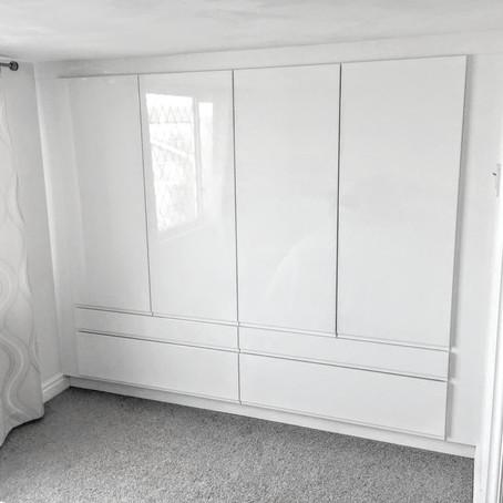 Gloss White Handle-less Wardrobe