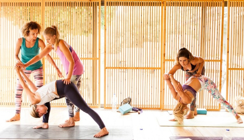 Alpha Yoga School | Join Alpha Yoga School for 200 hour and 300 hour residential, all inclusive Yoga Teacher Training in Greece | Expand your yoga teaching skills right by the beach. Learn alignment, adjustments, anatomy, philosophy and how to teach.