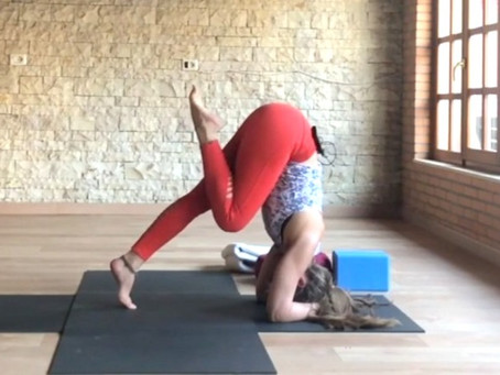 The ultimate guide to headstand: Foundation, contraindications, preparation, and limitations