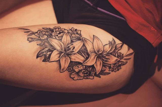 #flowertattoo #tattoo #tatouage #tatou #