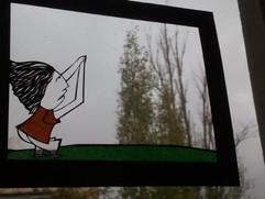 חיתוך נייר מוצב על חלון  |  Paper cutting is placed on a window