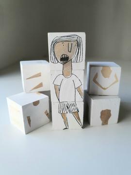 קוביות עץ       Wooden blocks