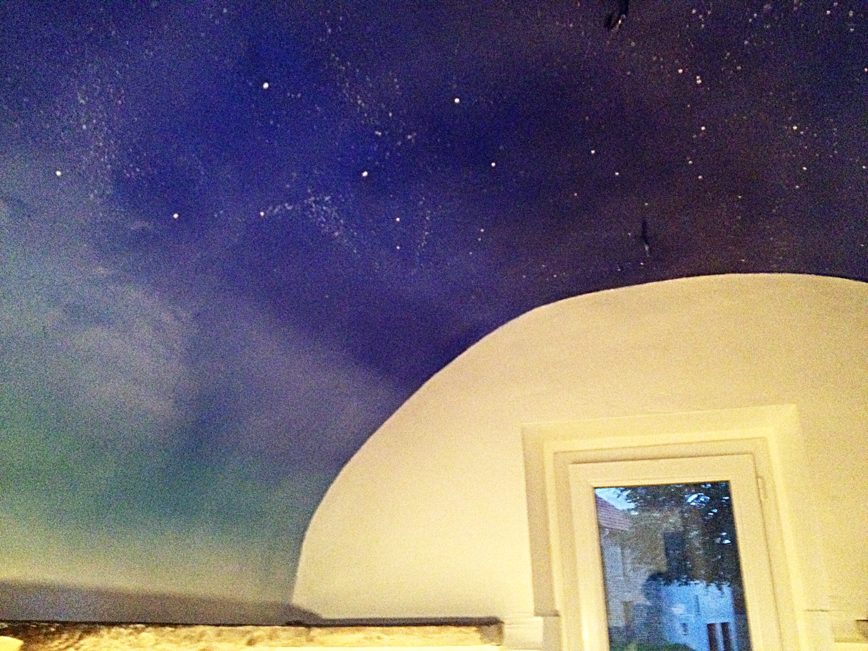 Ciel étoilé sous voûte