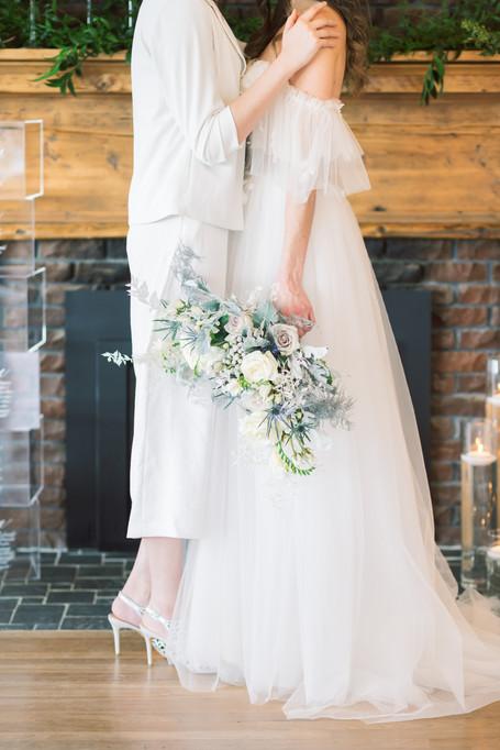Brides & Flowes