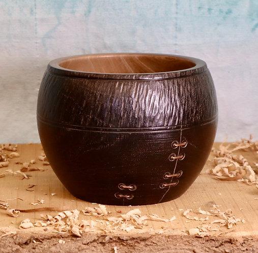 Magnolia Stitched Pot