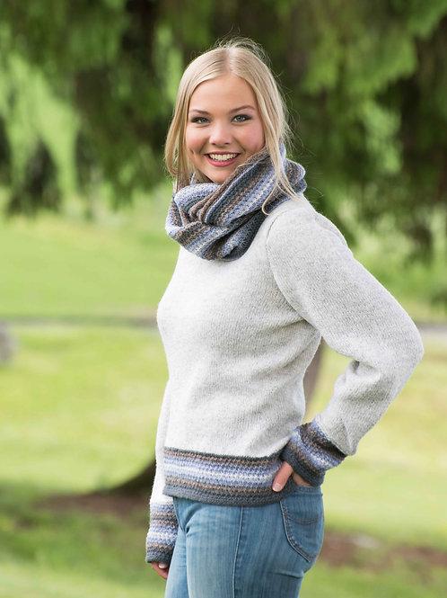 BIANCA - Innsvinget genser med vide ermer og løs hals