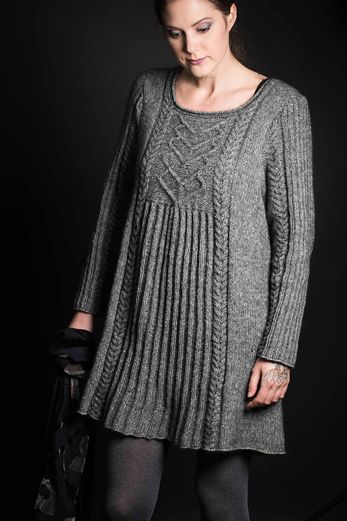 English pattern ALMA - tunic with cables