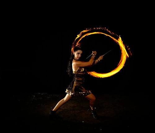 solofireshow-evanessence-gold2.jpg