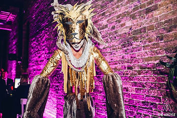 StiltWalking-TheLion-DanceCircus4.jpg