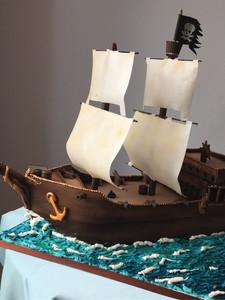 Pirates Man-o-war Cake